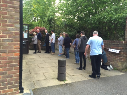 Queuing to vote, 2015